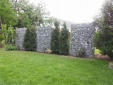 Gabionenmauer In 1600 Mm H 246 He Als Sichtschutz Aufgelockert