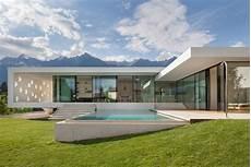 einfamilienhaus modern auf dem moderne architektur freistehendes einfamilienhaus in italien
