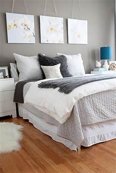 Bedroom Artwork Ideas by Master Bedroom Decorating Ideas