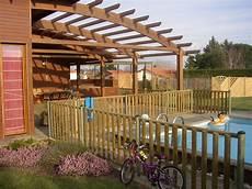 Cl 244 Ture Piscine Bois Ecobois Une Barri 232 Re Bois De Piscine