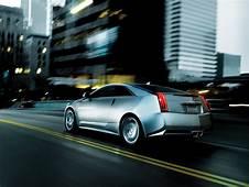 2013 Cadillac CTS Coupe Bewegung Rear Angle