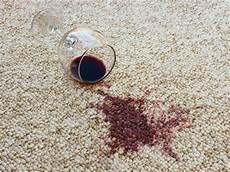 flecken teppich entfernen rasierschaum teppich selber reinigen hausmittel gegen teppichflecken