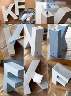 Buchstaben Aus Beton Selber Machen - diy buchstabenleuchte mit textilkabel und beton effekt