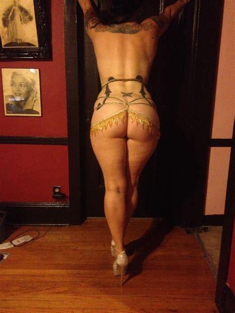 Nude Danielle