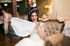 What Leg Does The Wedding Garter Go On