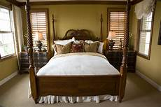 Beds With Posts