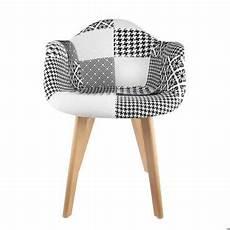 fauteuil scandinave patchwork noir blanc pour installer