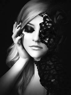 photo noir et blanc portrait femme recherche