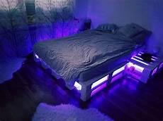 So Einfach Kannst Du Dir Ein Cooles Palettenbett Selber