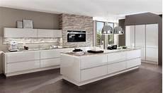 küchen weiß hochglanz design einbauk 252 che norina 9555 weiss hochglanz lack