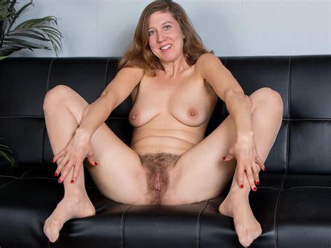 American Milf Nude
