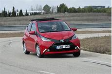 toyota aygo x pro toyota aygo x wave l aygo en mode d 233 couvrable l argus
