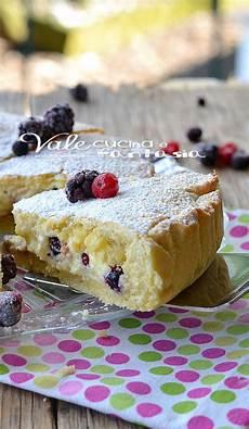 ricetta crostata al mascarpone e frutti rossi paneangeli crostata con mascarpone crema pasticceria e frutti di bosco ricette dolci dolci dolci gustosi