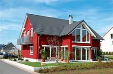 Fassadenfarbe Beispiele Gestaltung - beispiele f 252 r fassadenfarben fassadenfarbe rot und