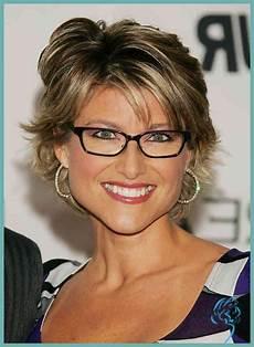 Kurzhaarfrisuren Für Frauen Ab 50 - kurzhaarfrisuren damen ab 50 mit brille aktuelle