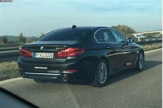 2017 Bmw 530d Looks Imposing On The Autobahn