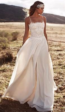 Brautkleid Boho Style - engagement rings and wedding dresses that match your horoscope