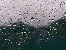 Gambar Embun Hujan Di Kaca 910x683 Wallpaper Teahub Io