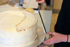 how to assemble a wedding cake hgtv