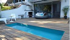 Modernes Wasserbecken Terrasse Garten Wasserbecken