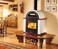 cucina a legna con forno elegante modello di stufa a legna con forno in cucina nel