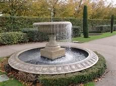 Brunnen Garten Design - best garden fountains water fountains ideas