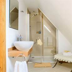 Sloped Ceiling Attic Bathroom Ideas by The 25 Best Sloped Ceiling Bathroom Ideas On