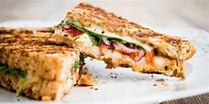 Sandwich Toast Rezepte - shocking salt content in coffee shop sandwiches revealed