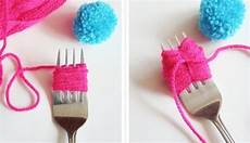 Mini Pompoms Aus Wolle Bastel Anleitung Step By Step