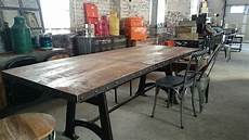 table salle a manger style industriel table ronde style industriel mikea galerie
