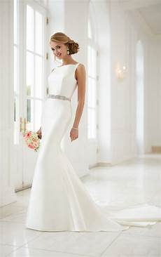 modern wedding gowns wedding dresses simple structured wedding gown stella york