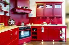 Kleine Küche Kaufen - h 228 cker musterk 252 che moderne landhausk 252 che im knalligen rot
