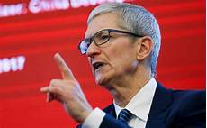 tim cook demands bloomberg to retract controversial