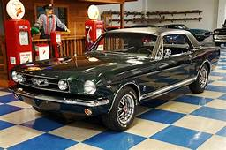 1966 Ford Mustang GT Coupe – Ivy Green / Black A&ampE