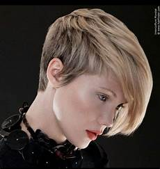 25 hairstyles for summer 2020 sunny beaches as you plan your holiday hair popular haircuts