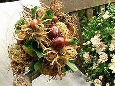 Herbstdeko Aus Naturmaterialien - herbstdeko mit kastanien und haseln 252 ssen meriseimorion