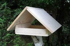vogelfutterhaus selber bauen bauanleitung gartendialog de
