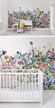 tapeten babyzimmer may meadow in 2020 kinderzimmer tapete m 228 dchen tapete