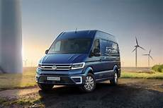 vw crafter 2017 maße vw e crafter electric large makes uk debut at cv show