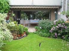 garten doppelhaushälfte gestalten vorgartengestaltung vom reihenhaus m 246 glich und wie