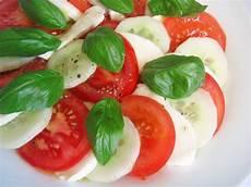gewächshaus gurken und tomaten tomaten gurken mozzarrella salat tobi2910 chefkoch de