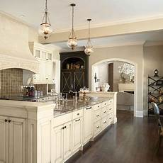 Kitchen Cabinets Wall Color