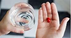 Takaran Minum Air Putih Yang Disarankan Saat Minum Obat