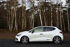 renault clio rs 220 trophy gets 220ps faster edc
