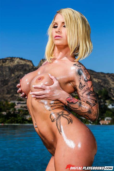 Hot Blond Pornstars