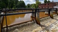 foto braune berlin braune spree ist gefahr f 252 r berliner trinkwasser b z berlin
