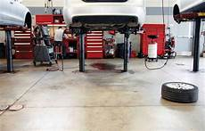 auto garage 6 interesting facts about mechanic garages master mechanic