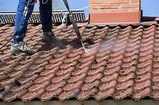 nettoyer toit comment nettoyer un toit castorama