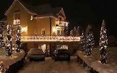 Haus Mit Weihnachtsbeleuchtung - weihnachtsbeleuchtung f 252 r haus und garten