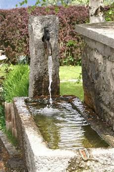 Wasserspiel Stein Garten - water trough makes a water feature my